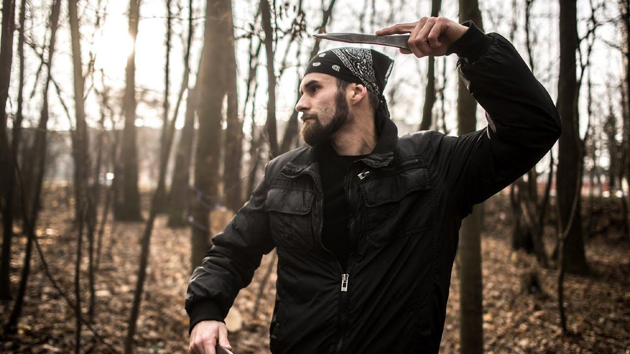 Man throwing knife