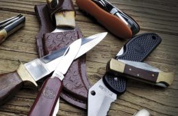 Quality knives in a pile