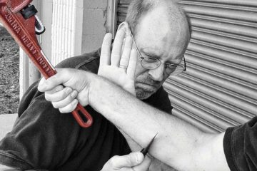 Use knives for self-defense