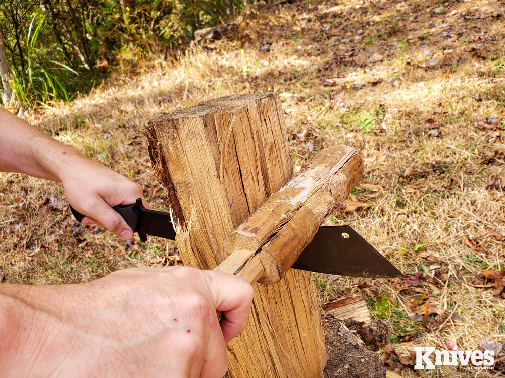 The 12-inch 9260 blade worked well with a mallet for batoning.