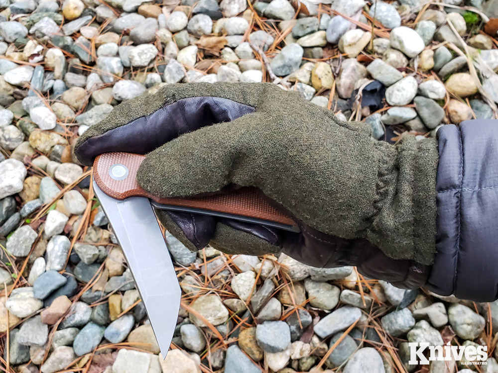 The flipper mechanism was easy to use with gloved hands.
