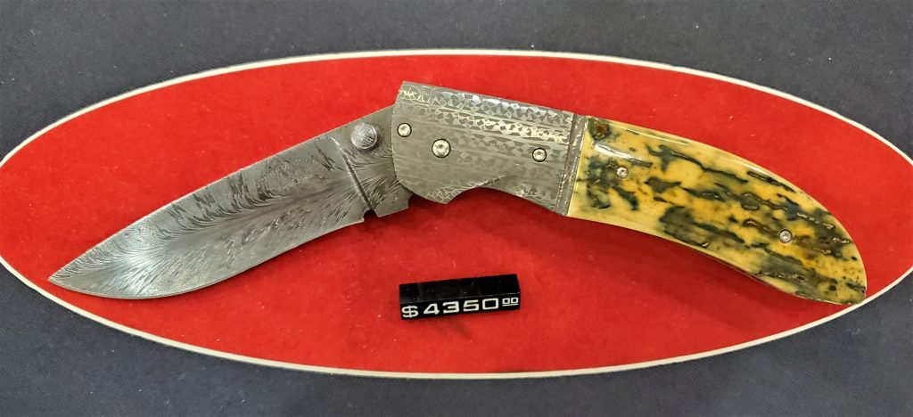 This locking folder was just one of Johnny Stout's beautiful creations on display at the show.
