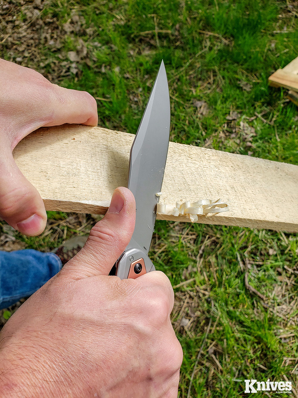 The high, flat grind and keen edge of the Strata's D2 blade make it a keen carver and slicer.