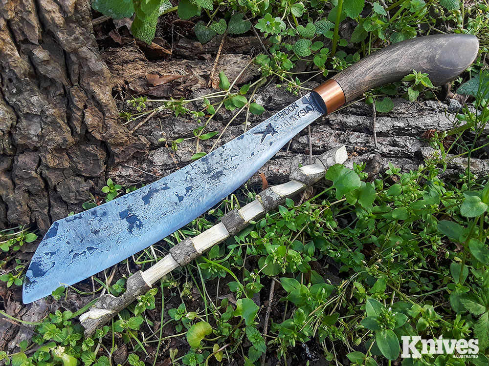 In a display of fine Bushcraft work done with a larger blade, the Duku Chandong made a try stick on a small branch.