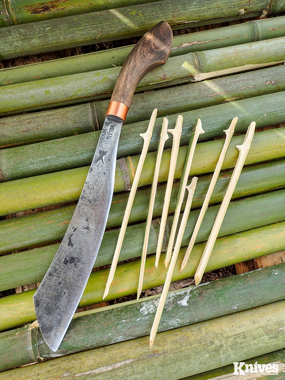 Bamboo skewers were easily made with the Duku Chandong using a section close to the nodes of the bamboo. This allows food to stay on the skewer and not slip off while holding upright.