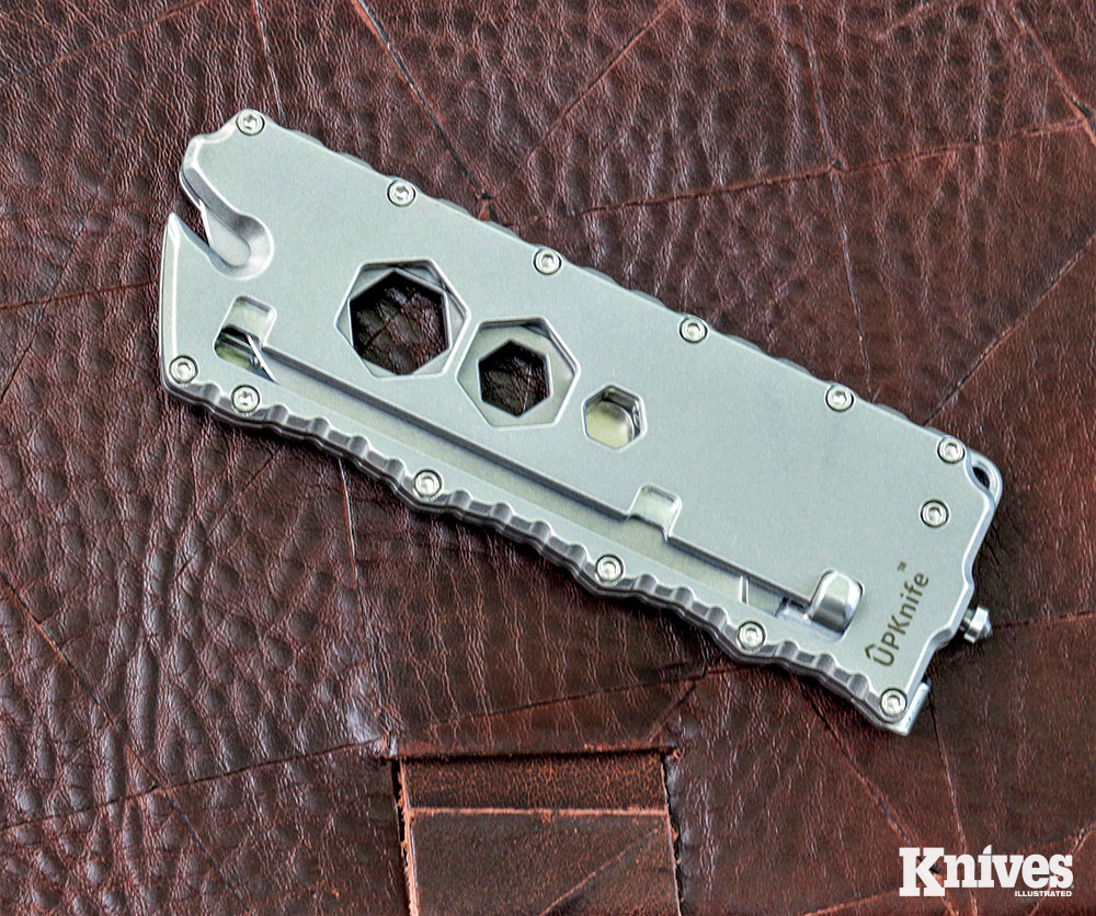 Fully closed, this multitool is a compact package that you won't mind carrying on a regular basis. The bolt-action mechanism allows you to open and lock the blade one-handed with your thumb. The blade retracts with spring action. With the tool closed, the notch in one end allows the tip of the cutting edge to be used as a line cutter.